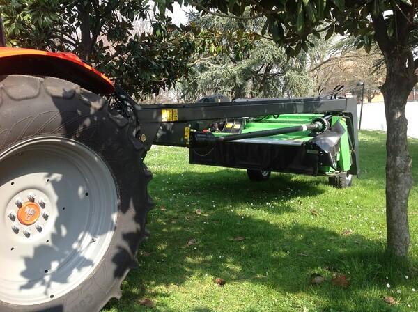 Fiera di scandiano ricci agricoltura con la fienagione - Swing condizionatore ...